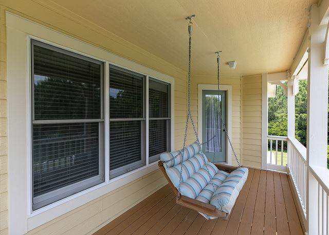 Front Porch of A Tar Heel State of Mind, a 4 bedroom, 3.0 bathroom vacation rental in Corolla, NC