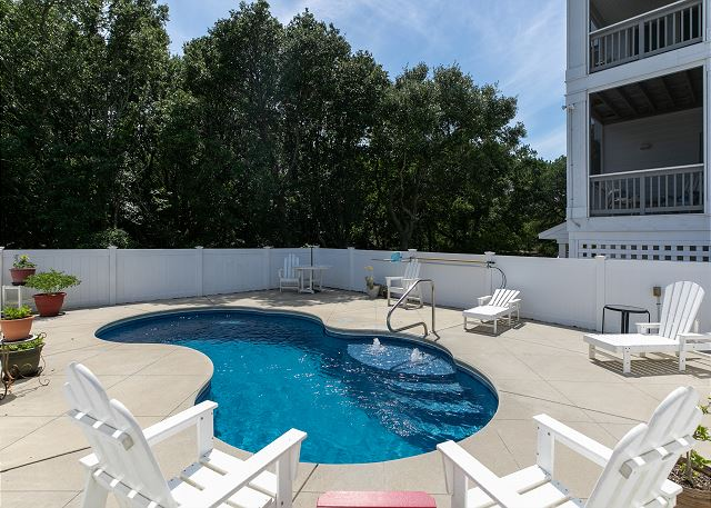 Pool patio of Southern Breeze, a 5 bedroom, 4.5 bathroom vacation rental in Corolla, NC