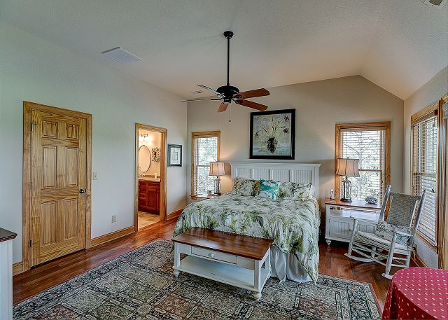 King Master Suite top level of Southern Breeze, a 5 bedroom, 4.5 bathroom vacation rental in Corolla, NC