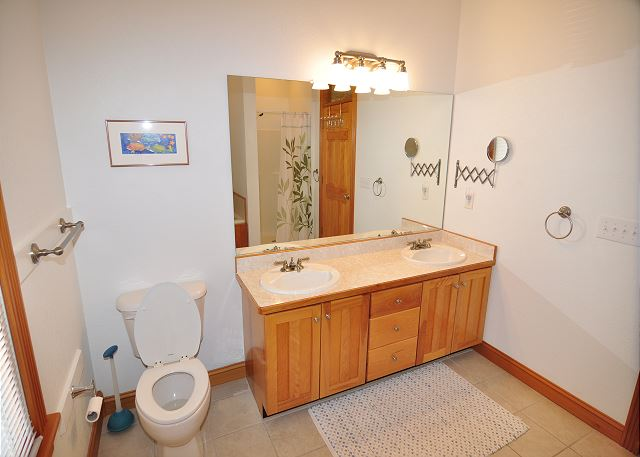 King Master Bath - Entry Level