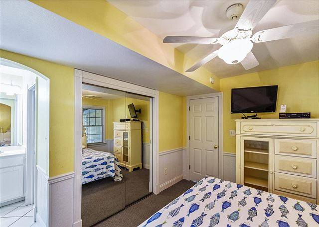 King Master Suite - Ground Level