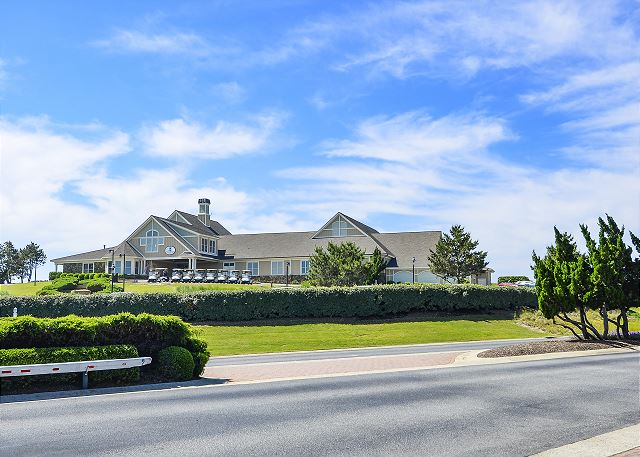 Currituck Club Cluhouse