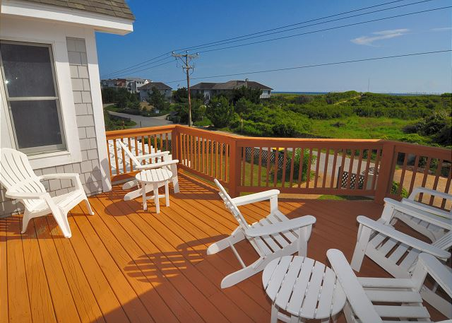 Sun deck Oceanside Top Level of Silver Creek, a 5 bedroom, 4.5 bathroom vacation rental in Southern Shores, NC