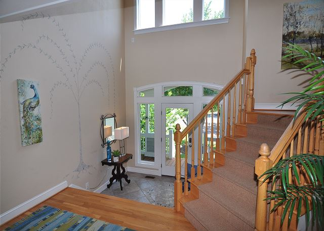 Entryway - Mid Level