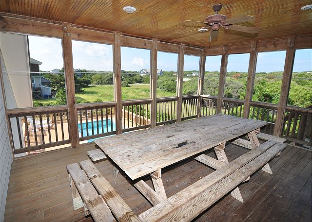 Screened porch of Silver Creek, a 5 bedroom, 4.5 bathroom vacation rental in Southern Shores, NC