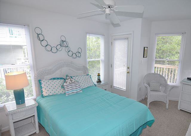 Queen Bedroom Entry Level  of Sunset Strip, a 5 bedroom, 3.0 bathroom vacation rental in Corolla, NC