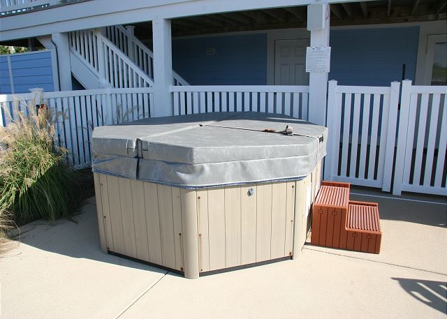 Hot Tub of Pinch Me, a 5 bedroom, 5.5 bathroom vacation rental in Corolla, NC