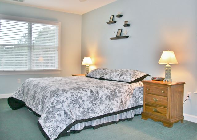King Bedroom Top Level of A Tar Heel State of Mind, a 4 bedroom, 3.0 bathroom vacation rental in Corolla, NC