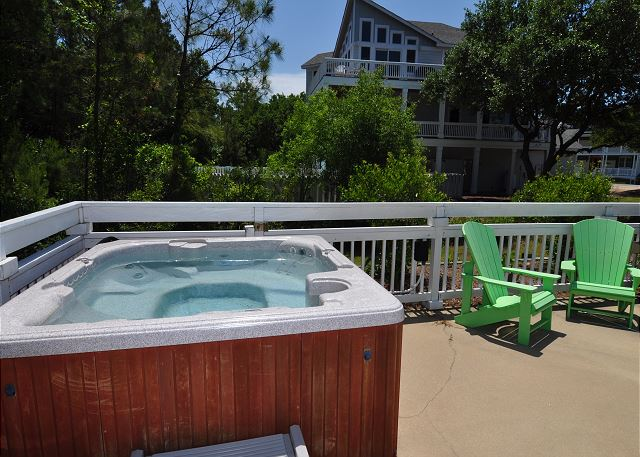 Hot tub of Serendipity, a 5 bedroom, 4.5 bathroom vacation rental in Corolla, NC