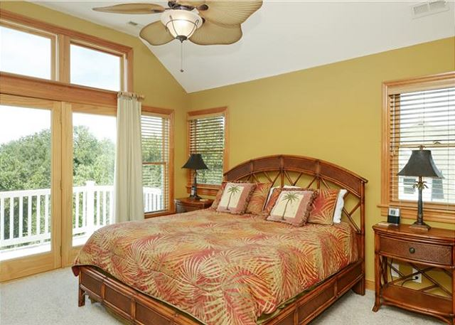 King Master Bedroom Top Level of Thanks Dad, a 6 bedroom, 5.5 bathroom vacation rental in Corolla, NC