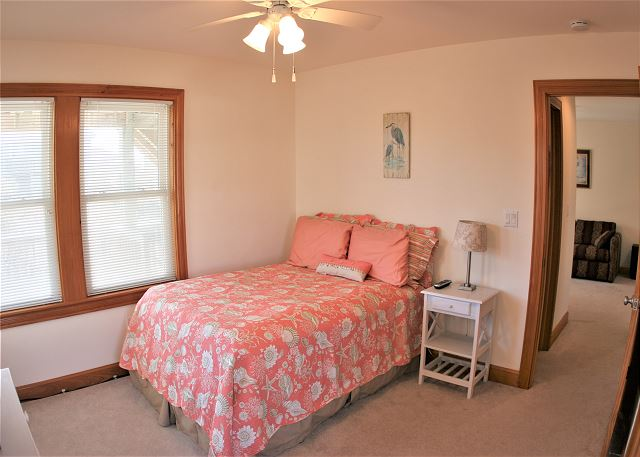 Double Bedroom Mid Level OB Wave is a 5 bedroom, 3.5 bathroom vacation rental in Corolla, NC