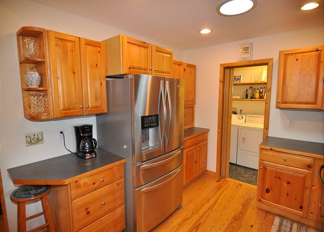 Kitchen Top Level of Manhattan South, a 5 bedroom, 4.0 bathroom vacation rental in Southern Shores, NC