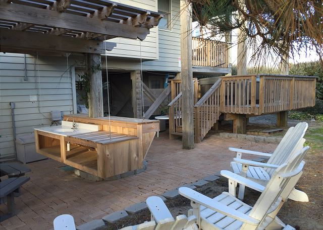 Patio with Hot Tub, Floating Bar of Time To Coast, a 6 bedroom, 4.5 bathroom vacation rental in Corolla, NC