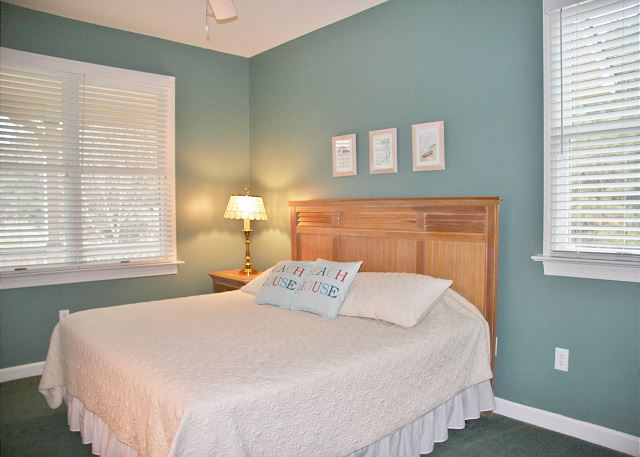 King Bedroom Entry Level of A Tar Heel State of Mind, a 4 bedroom, 3.0 bathroom vacation rental in Corolla, NC