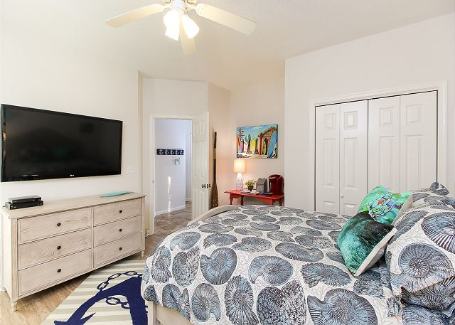 Queen Master Bedroom Entry Level of Just Fore Fun, a 4 bedroom, 3.5 bathroom vacation rental in Corolla, NC