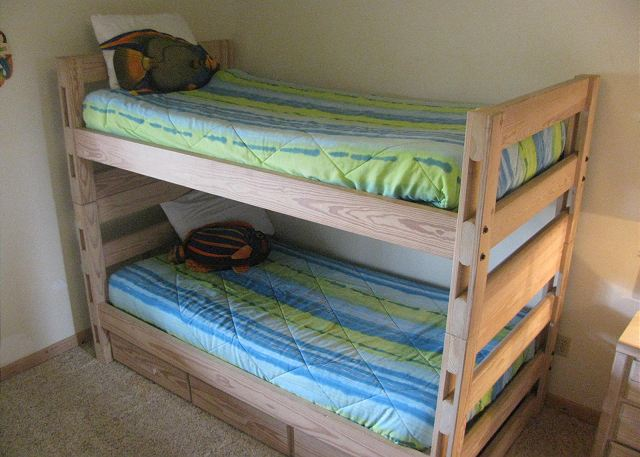 Bunk Set with Trundle Ground Level of Neely's Beach Music, a 5 bedroom, 3.5 bathroom vacation rental in Corolla, NC