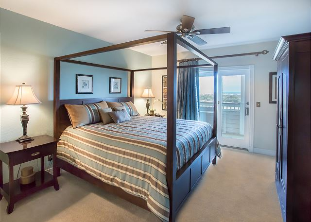 King Master Bedroom of Memories By The Sea, a 3 bedroom, 3.0 bathroom vacation rental in Corolla, NC