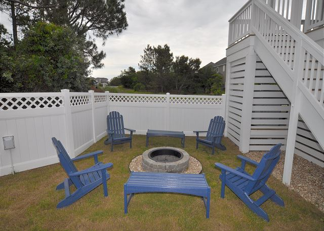 Fire Pit of Forever 409, a 6 bedroom, 5.5 bathroom vacation rental in Corolla, NC