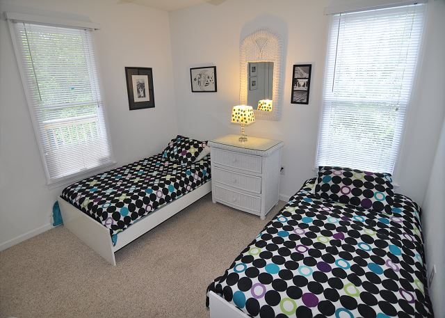 Twin Bedroom Entry Level