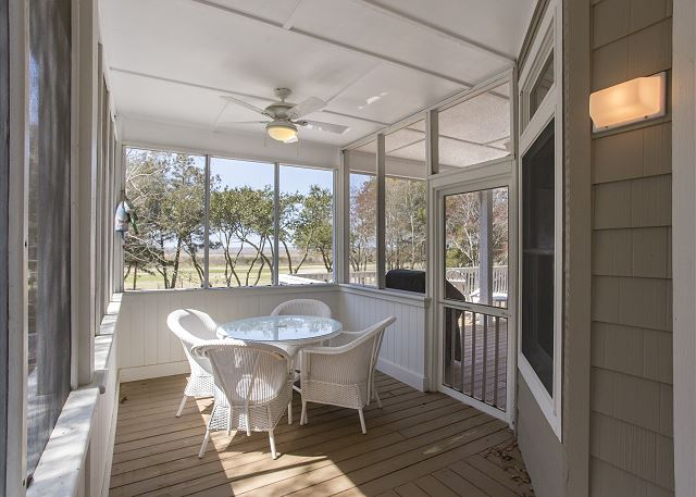 Screened Porch of Ray's the Roof, a 5 bedroom, 5.5 bathroom vacation rental in Corolla, NC