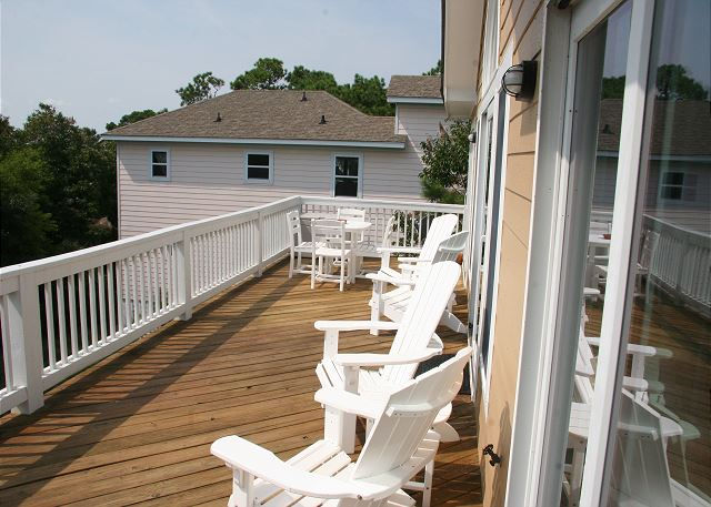 Upper Deck of Shore Sounds Good!, a 5 bedroom, 4.5 bathroom vacation rental in Corolla, NC