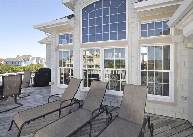Ocean View Deck and Grill of Waterlily, a 5 bedroom, 5.5 bathroom vacation rental in Corolla, NC