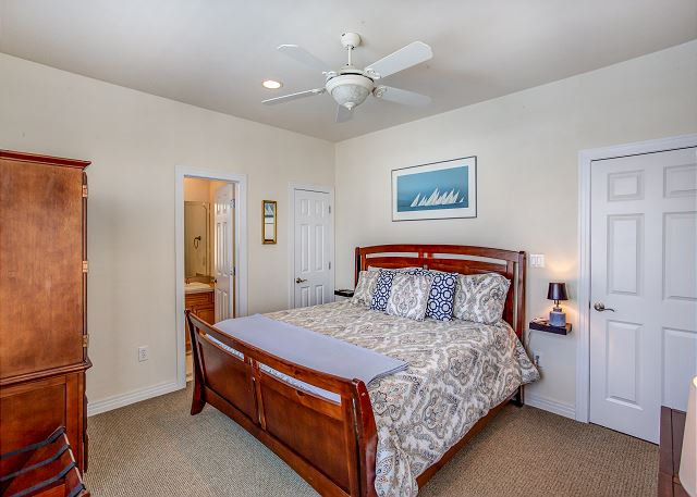King Master Entry Level of Par-Tee by the Sea, a 4 bedroom, 3.5 bathroom vacation rental in Corolla, NC
