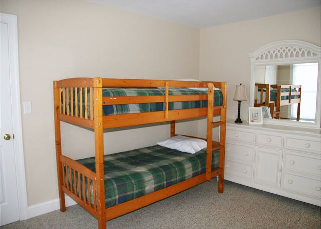 Bunk Bed Master Suite - Mid Level