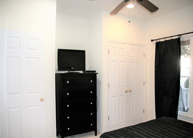 Queen Bedroom Entry Level Sugar Shack is a 4 bedroom, 3.0 bathroom vacation rental in Corolla, NC