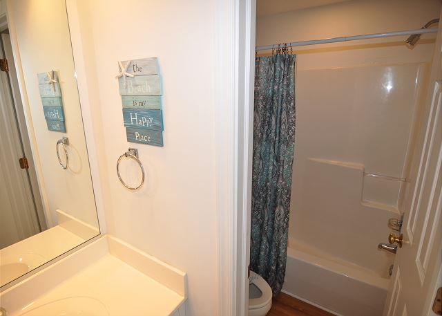 Full Bathroom Top Level  of Sunset Strip, a 5 bedroom, 3.0 bathroom vacation rental in Corolla, NC
