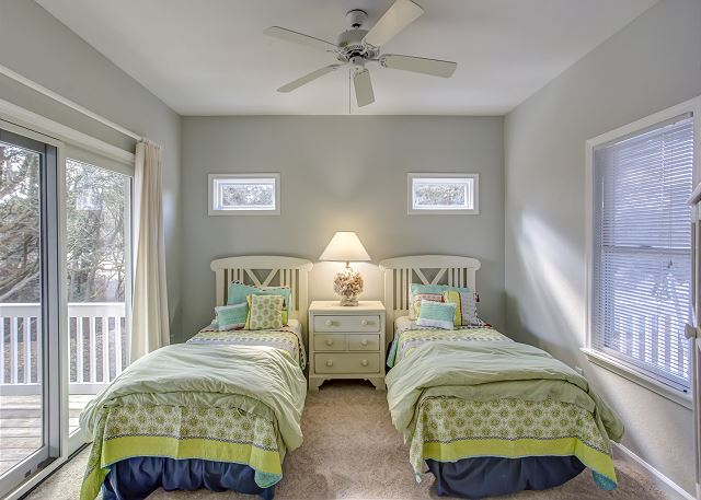 Twin Bedroom Mid Level of Heron Haven, a 5 bedroom, 4.5 bathroom vacation rental in Corolla, NC