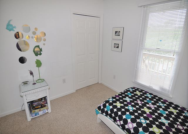 Twin Bedroom Entry Level  of Sunset Strip, a 5 bedroom, 3.0 bathroom vacation rental in Corolla, NC