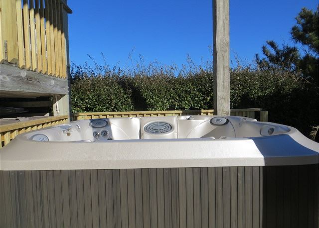 6 Person Hot Tub of Time To Coast, a 6 bedroom, 4.5 bathroom vacation rental in Corolla, NC