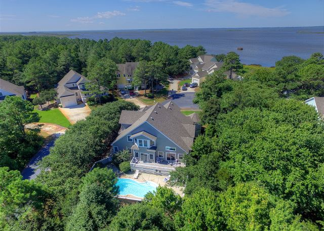 At Water& #39s Edge of At Water's Edge, a 4 bedroom, 3.5 bathroom vacation rental in Corolla, NC