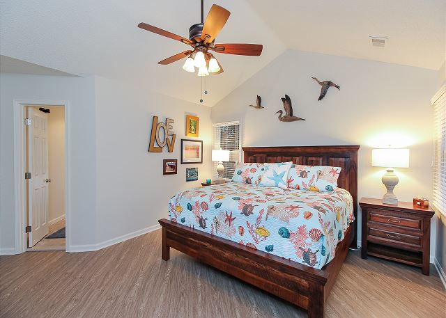 King Master Bedroom Top Level of Just Fore Fun, a 4 bedroom, 3.5 bathroom vacation rental in Corolla, NC