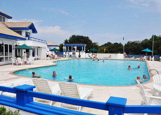 Monteray Shores Community Pool