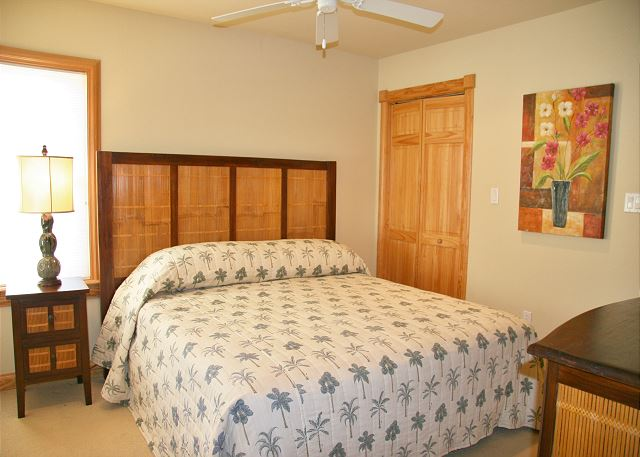 2nd King Master Suite Mid Level of A Perfect 10, a 6 bedroom, 5.5 bathroom vacation rental in Corolla, NC