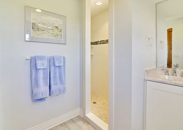 King Master Bath Mid Level  of Waterlily, a 5 bedroom, 5.5 bathroom vacation rental in Corolla, NC