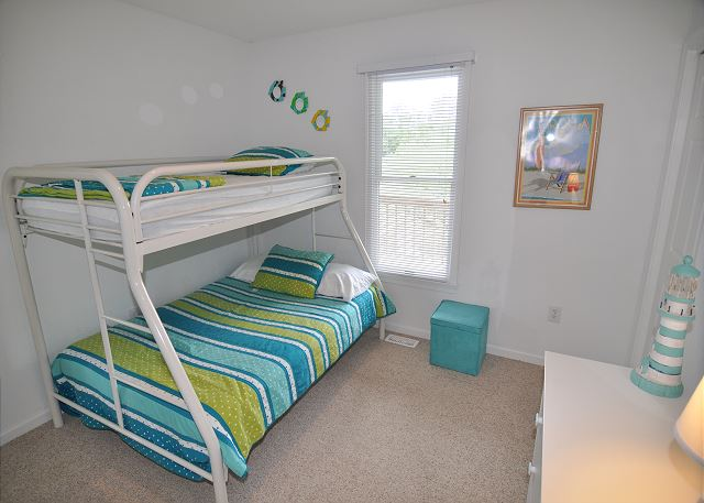 Pyramid Bunk Bedroom Entry Level Sunset Strip is a 5 bedroom, 3.0 bathroom vacation rental in Corolla, NC