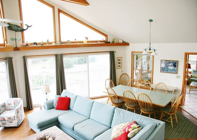 Great Room Top Level of Far-mor Serenity, a 5 bedroom, 4.5 bathroom vacation rental in Corolla, NC