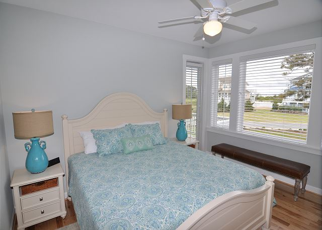 King Master Bedroom Mid Level of Forever 409, a 6 bedroom, 5.5 bathroom vacation rental in Corolla, NC