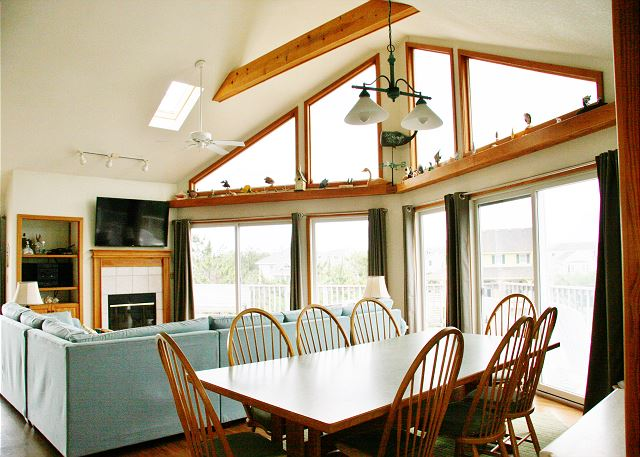 Dining Room Top Level of Far-mor Serenity, a 5 bedroom, 4.5 bathroom vacation rental in Corolla, NC