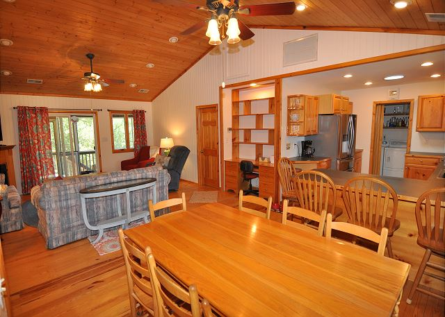 Dining Area Top Level  of Manhattan South, a 5 bedroom, 4.0 bathroom vacation rental in Southern Shores, NC