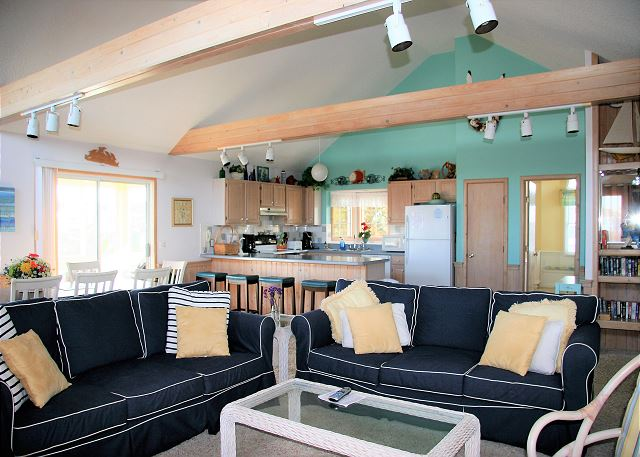 Great Room Top Level of Neely's Beach Music, a 5 bedroom, 3.5 bathroom vacation rental in Corolla, NC