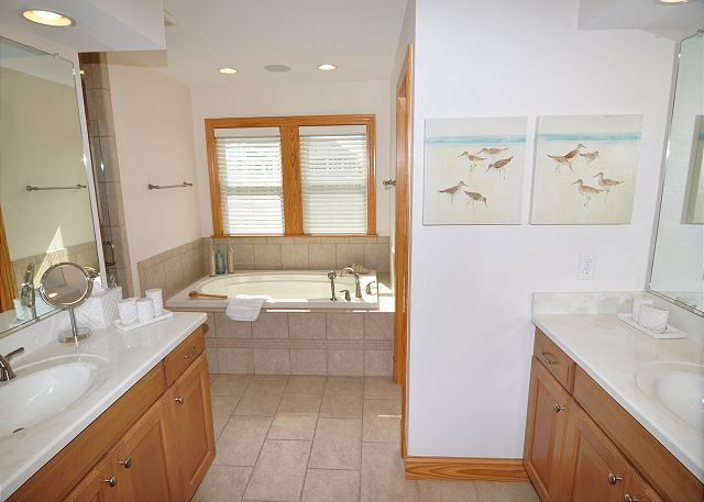 Master Bath Top Level