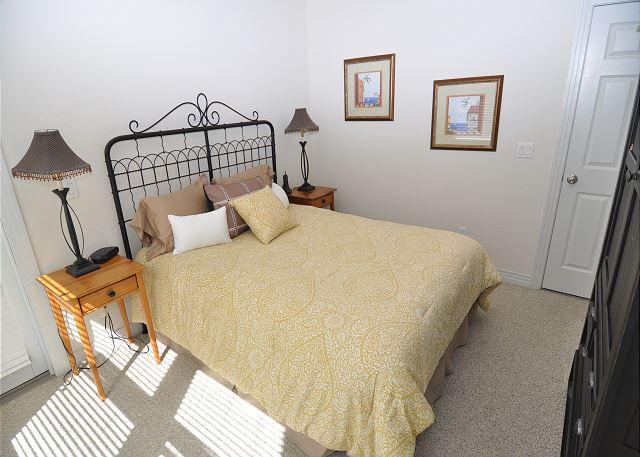 Queen Bedroom Entry Level
