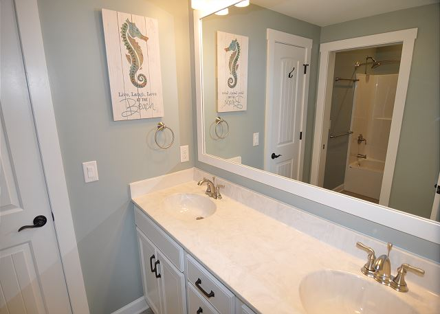 Jack and Jill Bathroom Mid Level of Forever 409, a 6 bedroom, 5.5 bathroom vacation rental in Corolla, NC