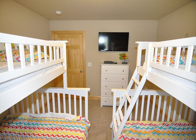 Double Pyramid Bunks Ground Level of Sandy Toes & Salty Kisses, a 11 bedroom, 9.5 bathroom vacation rental in Corolla, NC