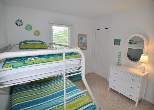 Pyramid Bunk Bedroom Entry Level  of Sunset Strip, a 5 bedroom, 3.0 bathroom vacation rental in Corolla, NC