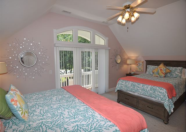 King and Queen bedroom Mid Level of Tranquility Farms, a 7 bedroom, 5.5 bathroom vacation rental in Corolla, NC